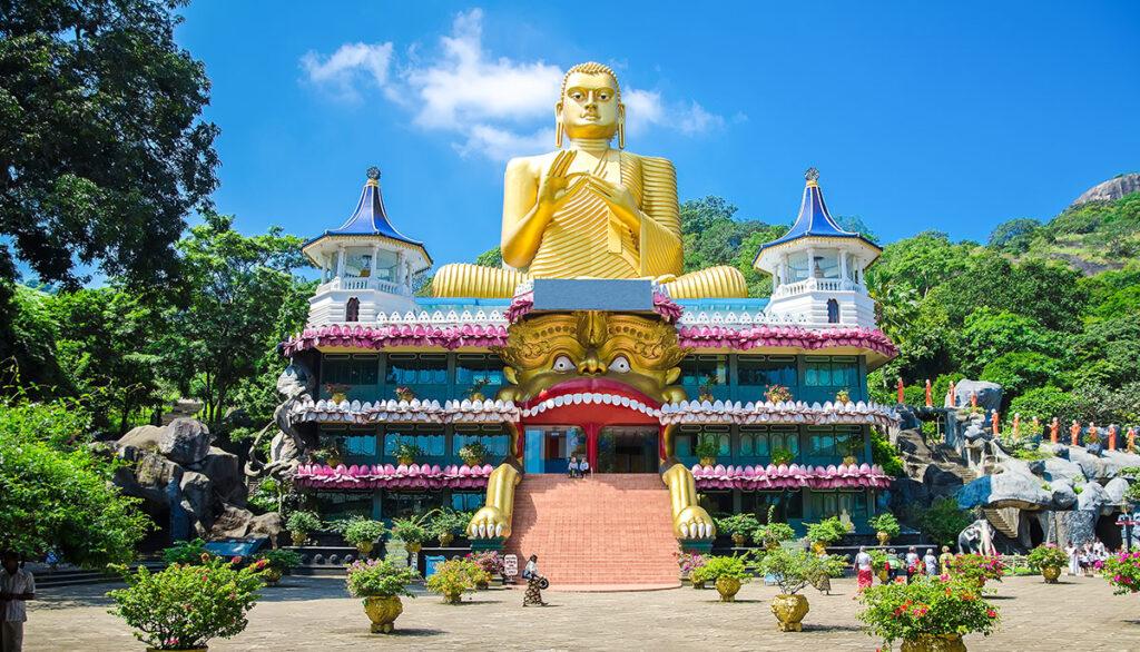 Sri-Lanka-Buddha_Golden-temple