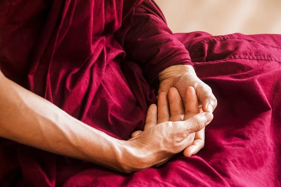 hands_in_meditation