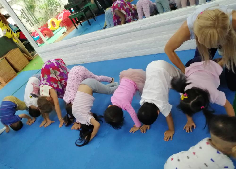 kids yoga kindergarten